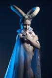 Femmina con body art della capra Fotografia Stock Libera da Diritti