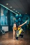 Femmina di allenamento di ballo di Zumba Immagini Stock Libere da Diritti