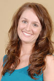 Femmina graziosa con il grande sorriso. immagini stock libere da diritti