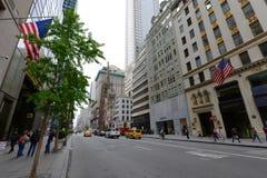 Femte ave, Manhattan, New York City Arkivfoton