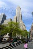 Femte byggnad för ave 500 på den 42nd gatan, NYC, USA Royaltyfri Bild