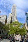 Femte byggnad för ave 500 på den 42nd gatan, NYC, USA Royaltyfri Fotografi