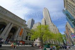Femte byggnad för ave 500 på den 42nd gatan, NYC, USA Royaltyfria Bilder