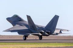 Femte-utveckling för rovfågel för U.S.A.F. Lockheed Martin F-22A för Förenta staternaflygvapen, singel-Seat, tvilling--motor, tak arkivbilder