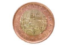 Femtio tjeckiska kronor Valutan av Tjeckien Makrofoto av ett mynt Sikt av Prague med Charles Bridge och Prague Castl Arkivbilder