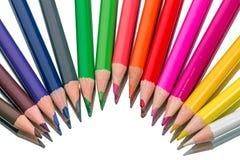 Femton färgade blyertspennor royaltyfri fotografi