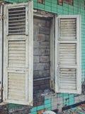 Fenêtre à la maison abandonnée Image stock
