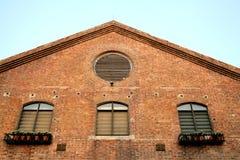 Fenêtre âgée de grenier Image stock