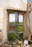 Fenêtre abandonnée de ferme Photo libre de droits