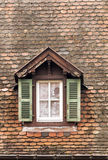 Fenêtre avec des abat-jour Image stock
