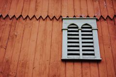 Fenêtre décorative de grange de ferme Photos libres de droits