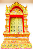 Fenêtre d'église dans le temple Thaïlande Images stock