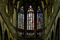 Fenêtre d'Alfons Mucha Stained Glass de peintre d'Art Nouveau dans St Vitus Cathedral, Prague photos stock