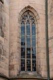 Fenêtre d'un vieux bâtiment historique images libres de droits