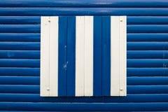Fenêtre d'une hutte de plage Photographie stock