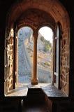 Fenêtre dans le château Images libres de droits