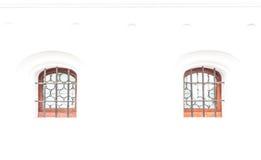 Fenêtre dans le mur blanc image libre de droits
