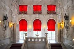 Fenêtre dans le palais du roi photo stock