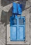 Fenêtre de chemise de turquoise Images libres de droits