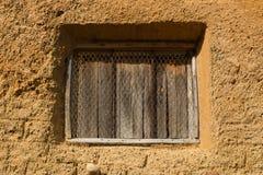 Fenêtre de cottage et vieux Photos libres de droits