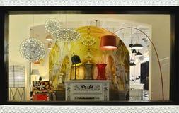 Fenêtre de luxe de boutique d'éclairage Images stock