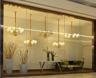 fenêtre de luxe de boutique d'éclairage, Images libres de droits