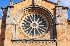 Fenêtre de Rose de l'église de St Peter à Avila, Espagne photo stock