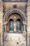 Fenêtre de vintage avec le trellis images stock