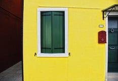 Fenêtre de vintage, Burano, Italie Images libres de droits