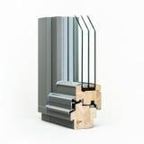 Fenêtre en bois avec l'échantillon en aluminium d'enveloppe, d'isolement sur le fond blanc photo libre de droits