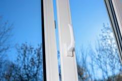 Fenêtre en plastique de vinyle Image stock