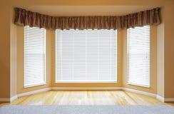 Fenêtre en saillie photos stock