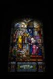 Fenêtre en verre teinté chez Notre Dame Cathedral images stock