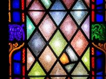 Fenêtre en verre teinté dans l'église - plan rapproché Photographie stock libre de droits