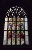 Fenêtre en verre teinté dans la cathédrale de notre Madame Images stock