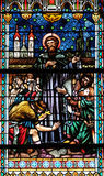 Fenêtre en verre teinté dans la cathédrale de Saint-Nicolas en Novo Mesto, Slovénie photo libre de droits