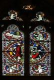 Fenêtre en verre teinté le crucifixtion de St Peter Images stock
