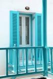 Balcon avec des balustrades images libres de droits
