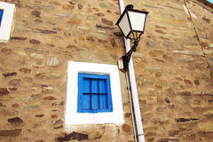 Fenêtre et lanterne Photos stock