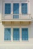 Fenêtre et porte bleues, style grec image libre de droits