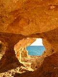 Fenêtre naturelle, Algarve Photo stock