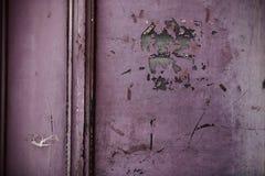 Fenêtre peinte dans le rose Image libre de droits
