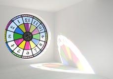 Fenêtre ronde d'horloge dans la chambre Photo stock