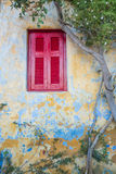 Fenêtre sur la vieille maison Photographie stock
