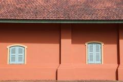 Fenêtre sur le mur Photographie stock