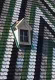 Fenêtre sur le toit de la cathédrale de St Stephen à Vienne Photo stock