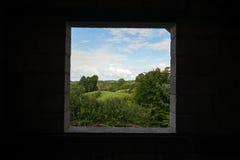 Fenêtre sur le vert Photos stock