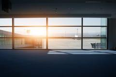 Fenêtre terminale d'aéroport Image libre de droits