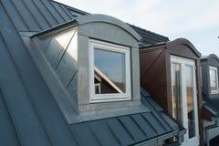 Fenêtres verticales modernes de toit Images libres de droits