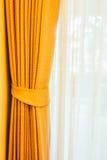 Fenêtres de rideau photographie stock